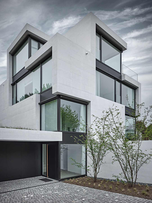 Baumanagement-fuer-Wild-Baer-Heule-Architekten-Eingang