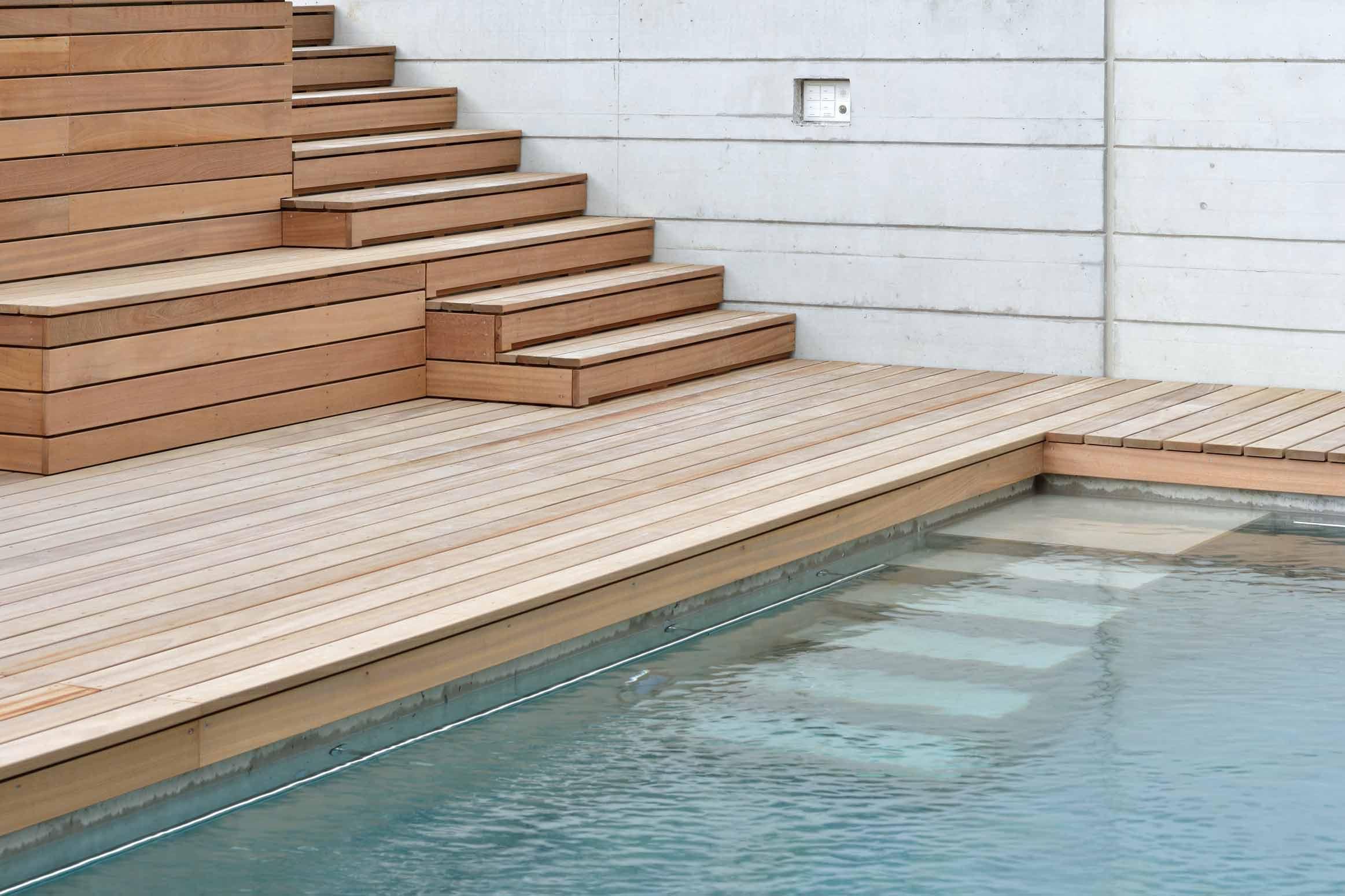 Baumanagement-Umgebungsarbeiten-Detail-Swimmingpool