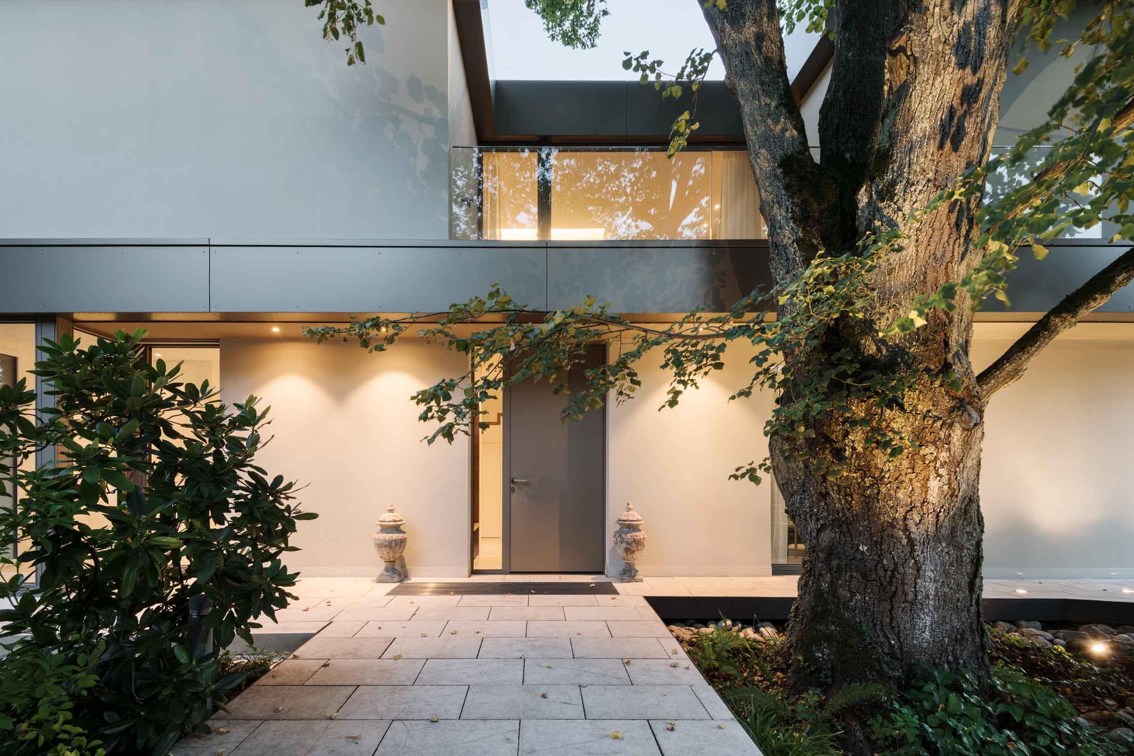 Baurealisation-Zuerich-Kuesnacht-Gartengestaltung